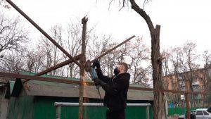 Во Владикавказе продолжается демонтаж незаконных построек
