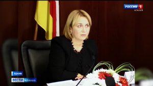 Экс-председатель парламента РСО-А Лариса Хабицова отмечает юбилей