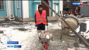 Во Владикавказе завершаются работы по укреплению подпорной стены Осетинской церкви