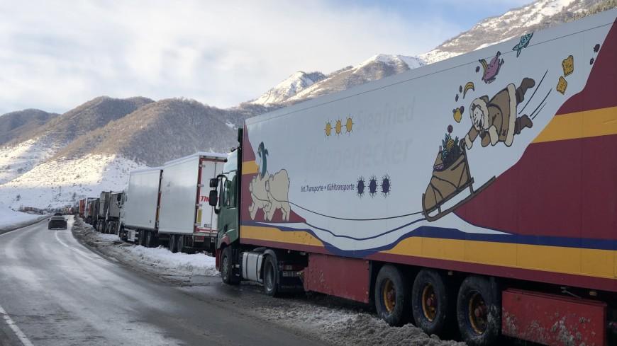 Движение по Военно-Грузинской дороге запрещено для большегрузов