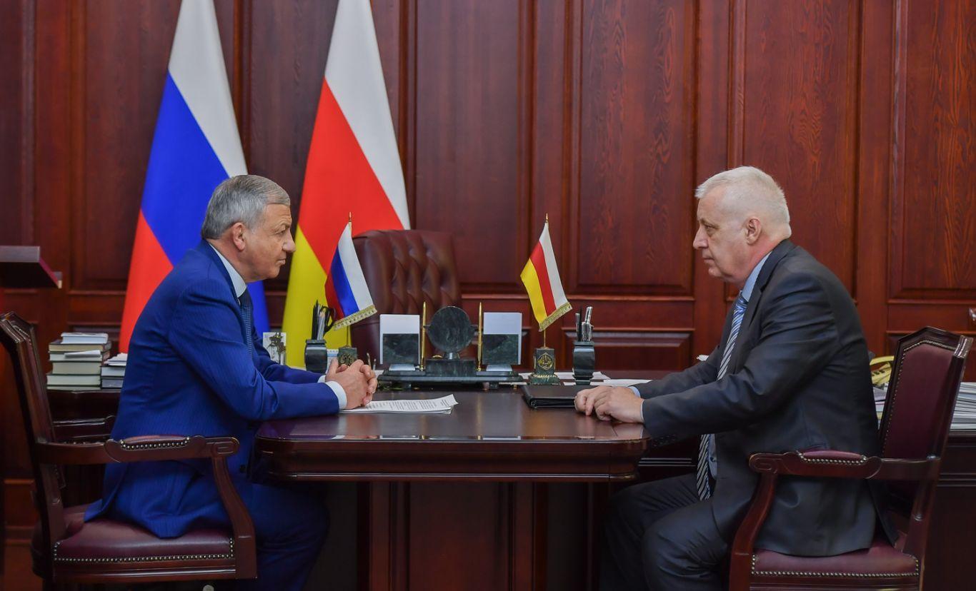 Вячеслав Битаров провел рабочую встречу с Юрием Фидаровым