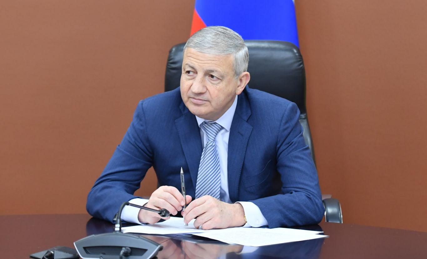 Вячеслав Битаров обсудил с Батразом Хидировым работу по улучшению санитарно-экологического состояния республики