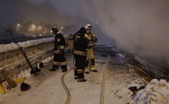 Площадь пожара в помещении на территории Центрального парка составила 700 кв.м