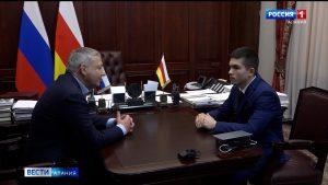 Вячеслав Битаров встретился с курсантом Хамидом Кузаковым