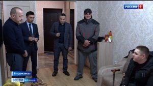 Депутат Георгий Казбеков подарил квартиру выпускнику дома-интерната «Ласка»