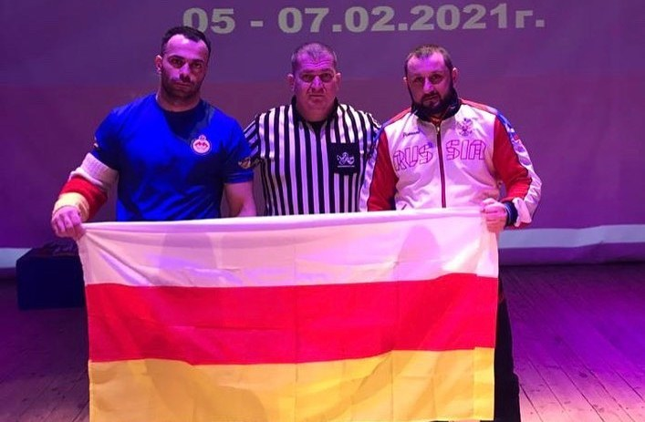 Батрадз Дзарахохов стал семикратным чемпионом России по армрестлингу