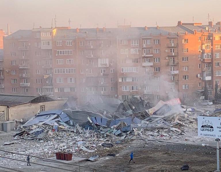 Версия теракта в расследовании причин взрыва в ТЦ Владикавказа исключена — МВД