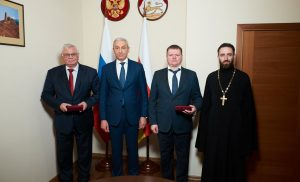 Борис Джанаев вручил медали «Во Славу Осетии» представителям МВД РФ