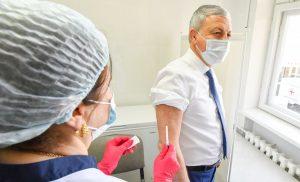 Вячеслав Битаров сделал прививку от коронавируса