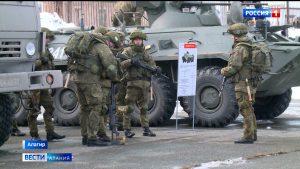 В Алагире в преддверии праздника организовали выставку военной техники