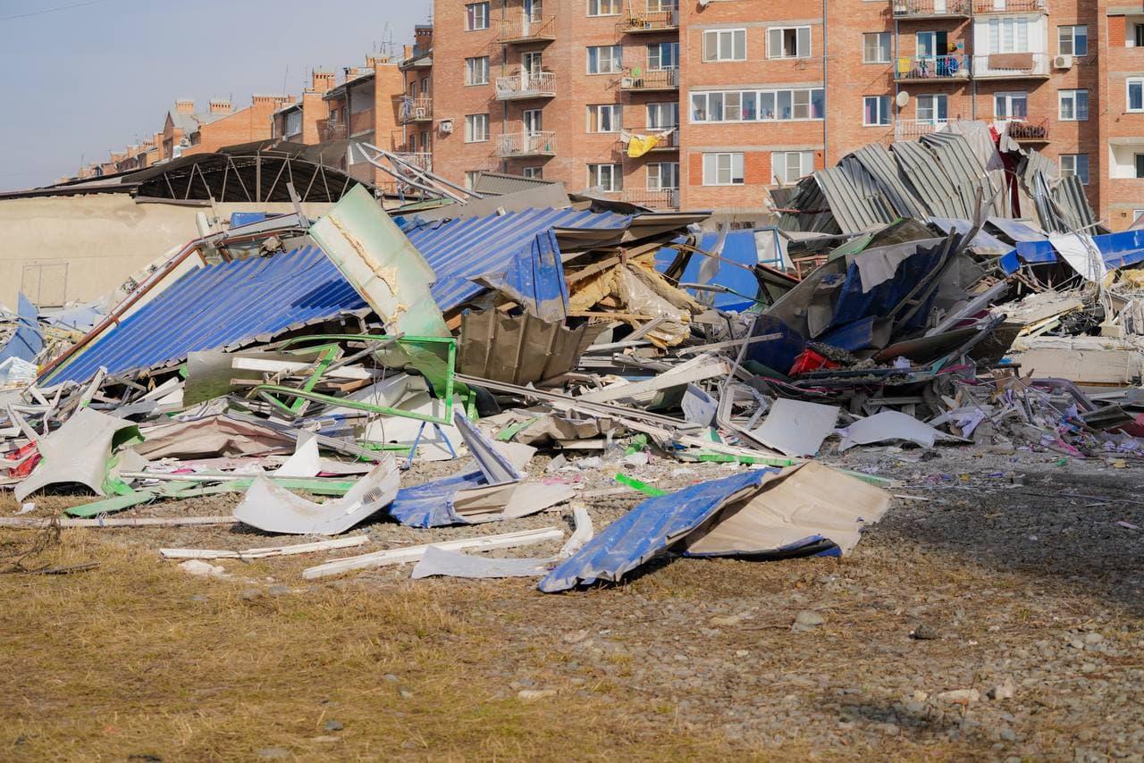 Специалисты Газпрома не выявили аварийной утечки газа на месте взрыва в ТЦ Владикавказа