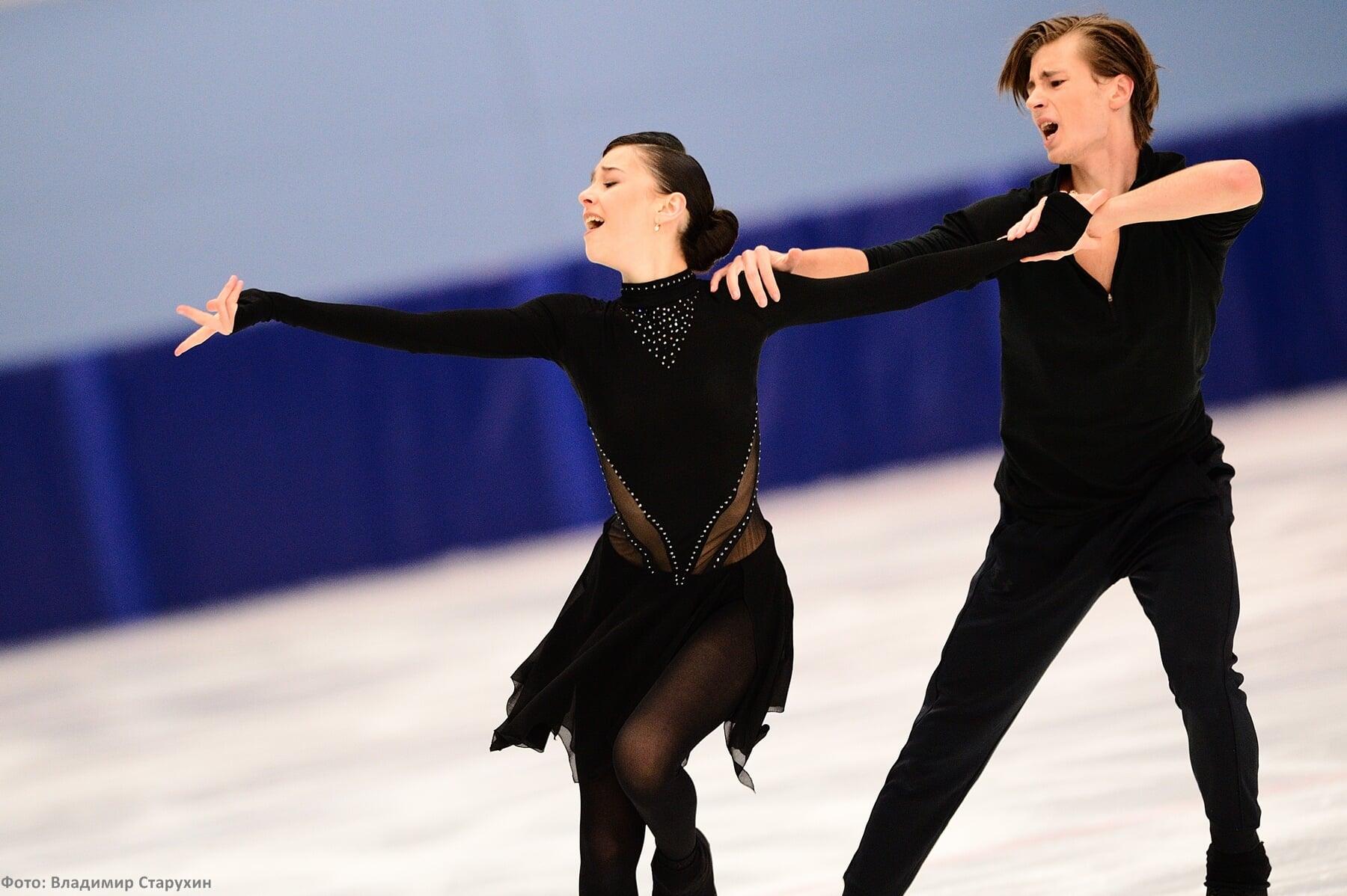 Фигуристы Елизавета Шанаева и Дэвид Нарижный завоевали серебряные медали чемпионата России