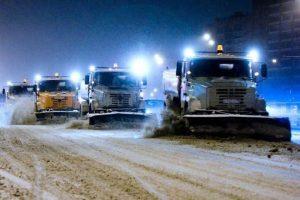 Спецтехника продолжает расчищать от снега дороги Владикавказа — АМС