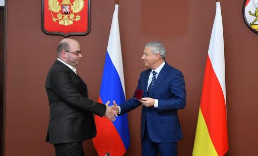 В Северной Осетии начался прием заявок на соискание Государственной премии имени Мисоста Камбердиева