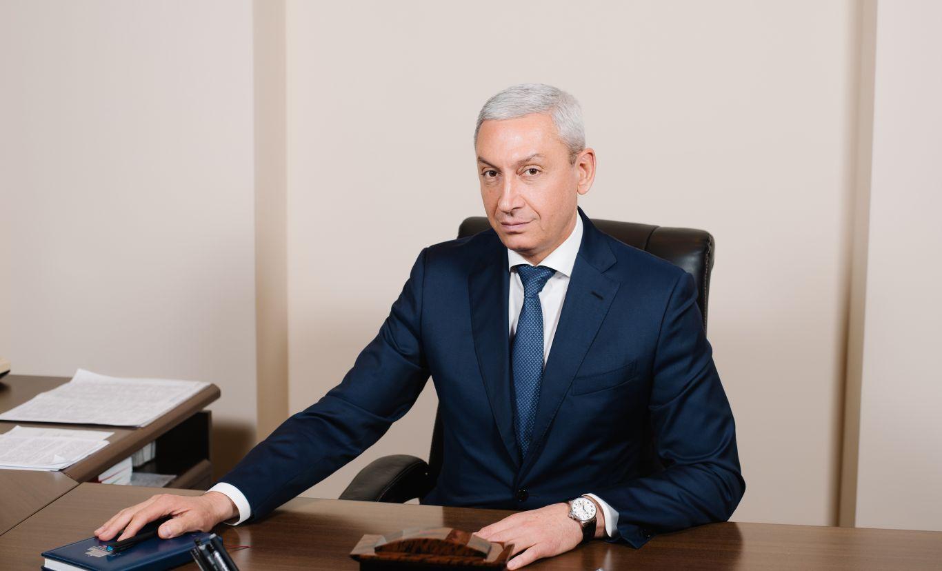 Борис Джанаев поздравил женщин Северной Осетии с 8 Марта