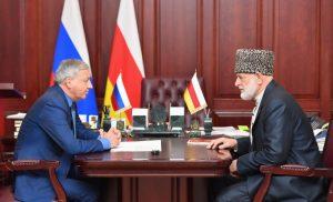 Вячеслав Битаров провёл рабочую встречу с Хаджимуратом Гацаловым