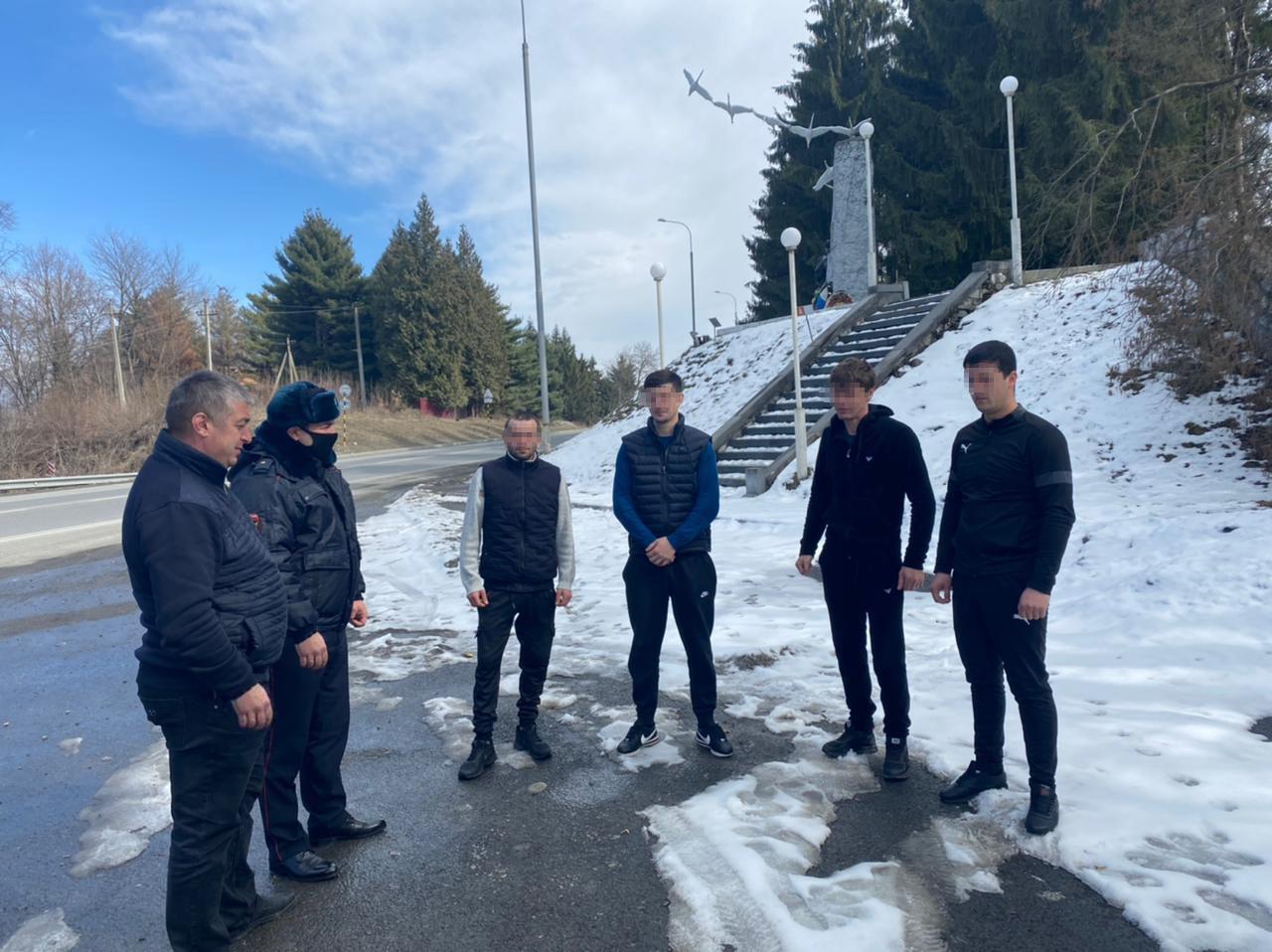 Полицейские Северной Осетии задержали участников инцидента, произошедшего у исторического монумента братьям Газдановым