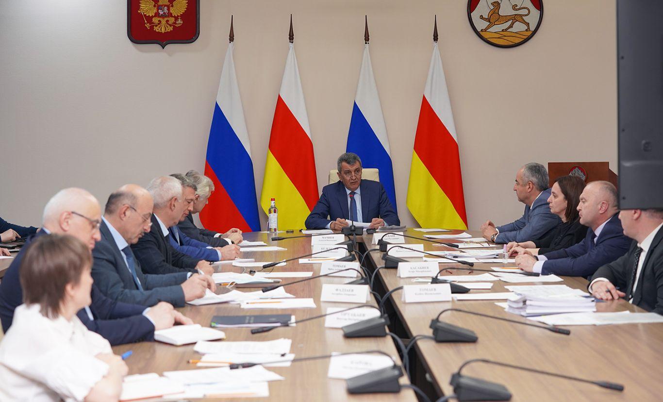Сергей Меняйло раскритиковал работу властей на местах по снижению задолженности за потребленные энергоресурсы