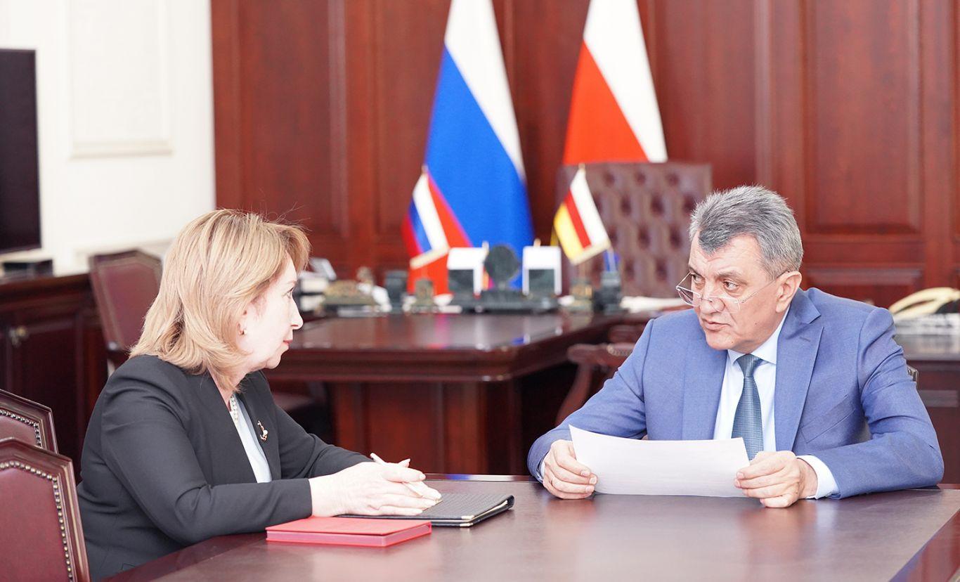 Сергей Меняйло и Жанна Моргоева обсудили вопросы подготовки и проведения единого дня голосования