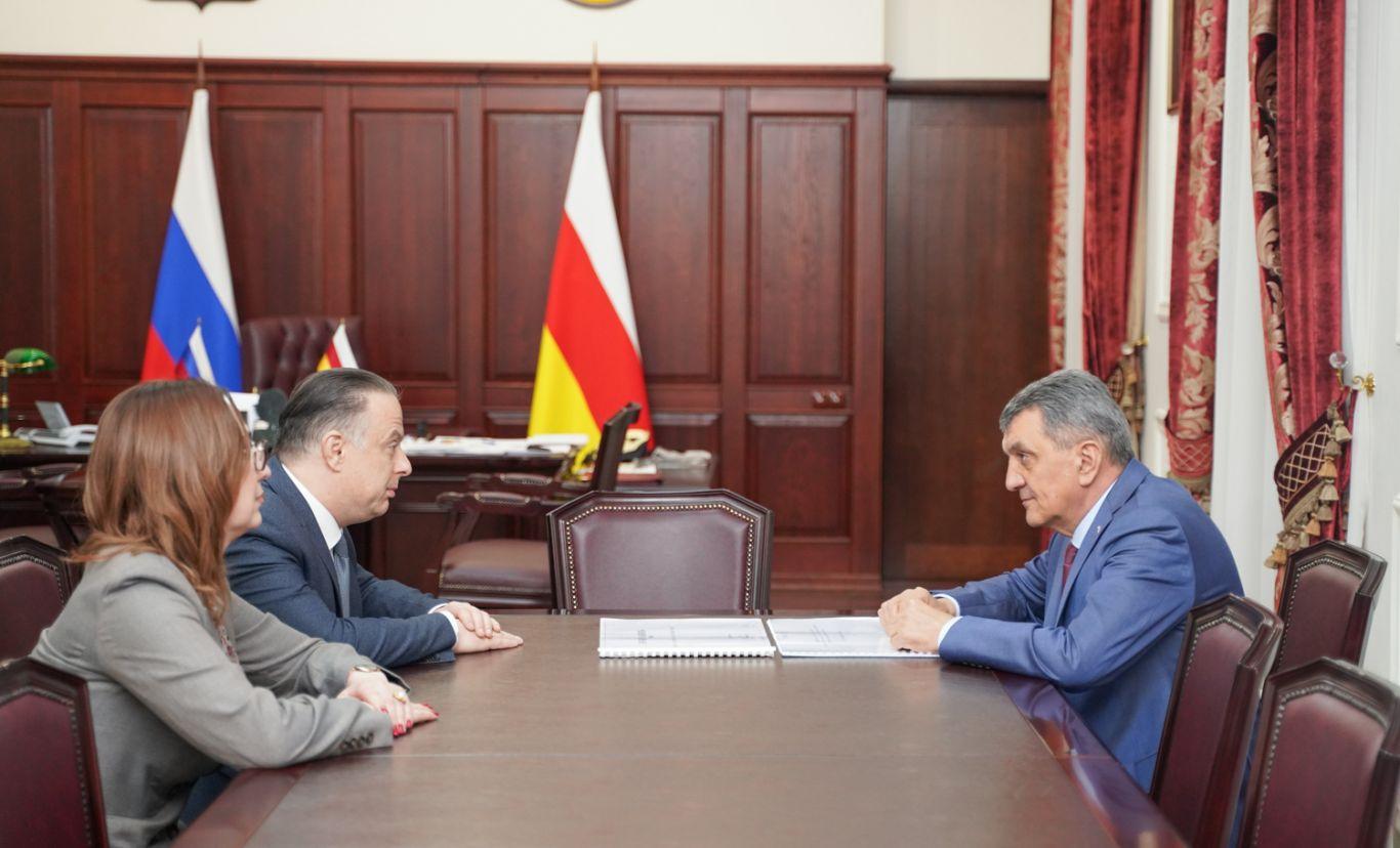 Сергей Меняйло встретился с директором Государственного академического театра имени Е.Б. Вахтангова Кириллом Кроком