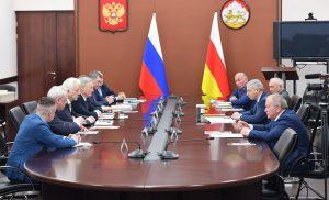 Вячеслав Битаров встретился с президентом китайско-русской торговой палаты Юрием Носенко