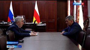 Сергей Меняйло провёл рабочую встречу с управляющим ВТБ в Северной Осетии Заурбеком Дзгоевым