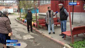 Жильцы некоторых многоквартирных домов Владикавказа жалуются на состояние дорожного покрытия во дворах