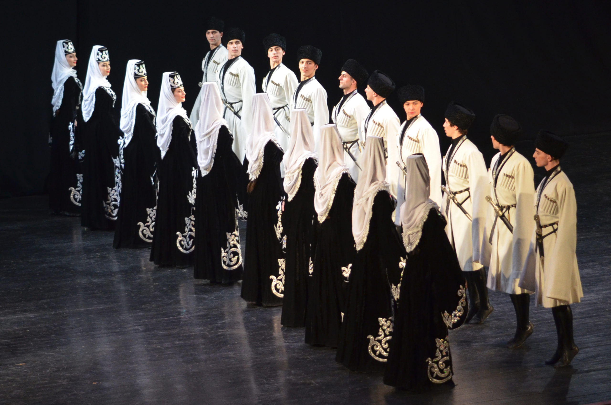 Ансамбль «Иристон» отменил концерт в Алагире в связи с трагедией в Казани