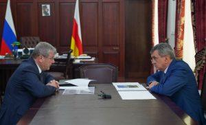 Строительство нового здания Центрального госархива РСО-А обсудили Сергей Меняйло и Андрей Артизов
