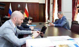 Сергей Меняйло обсудил с представителями банка «Россия» возможность введения в РСО-А единой цифровой системы расчётов за потреблённые энергоресурсы