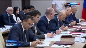Заседание правительства: приостановка строительства нового полигона ТКО, возобновление работы архитектурно-градостроительного совета, слияние СОГУ и СОГПИ