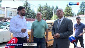 Таймураз Тускаев в очередной раз посетил стройплощадки социально важных объектов