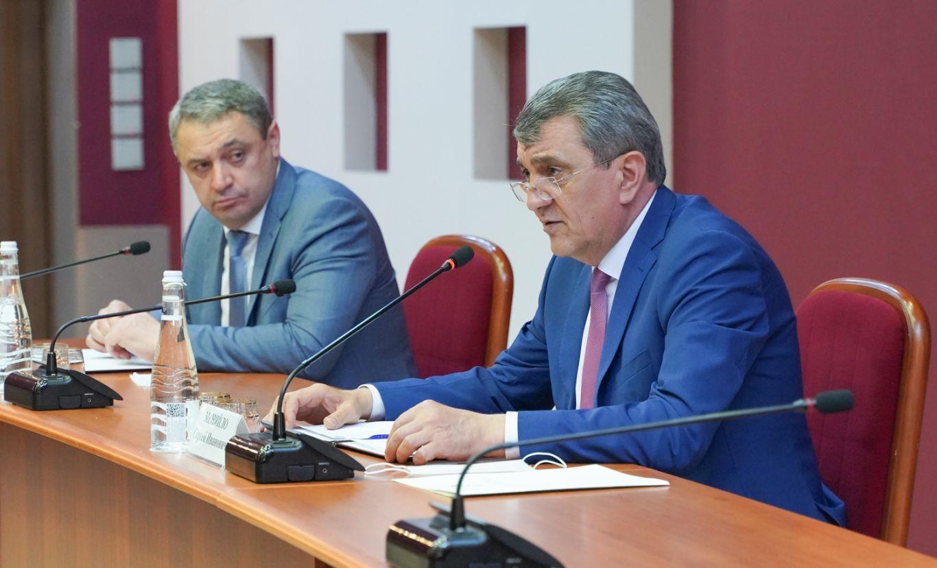 Сергей Меняйло встретился с депутатами Собрания представителей Владикавказа