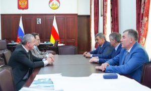 Сергей Меняйло провел рабочую встречу с Геннадием Семигиным и Арсеном Фадзаевым