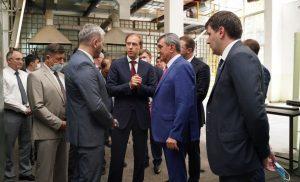 В Северную Осетию с рабочим визитом прибыл министр промышленности и торговли России Денис Мантуров