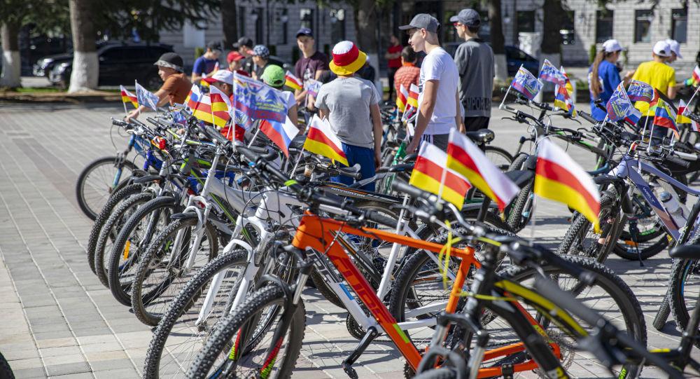 Велосипедисты из Южной Осетии готовятся покорить Кавказский хребет