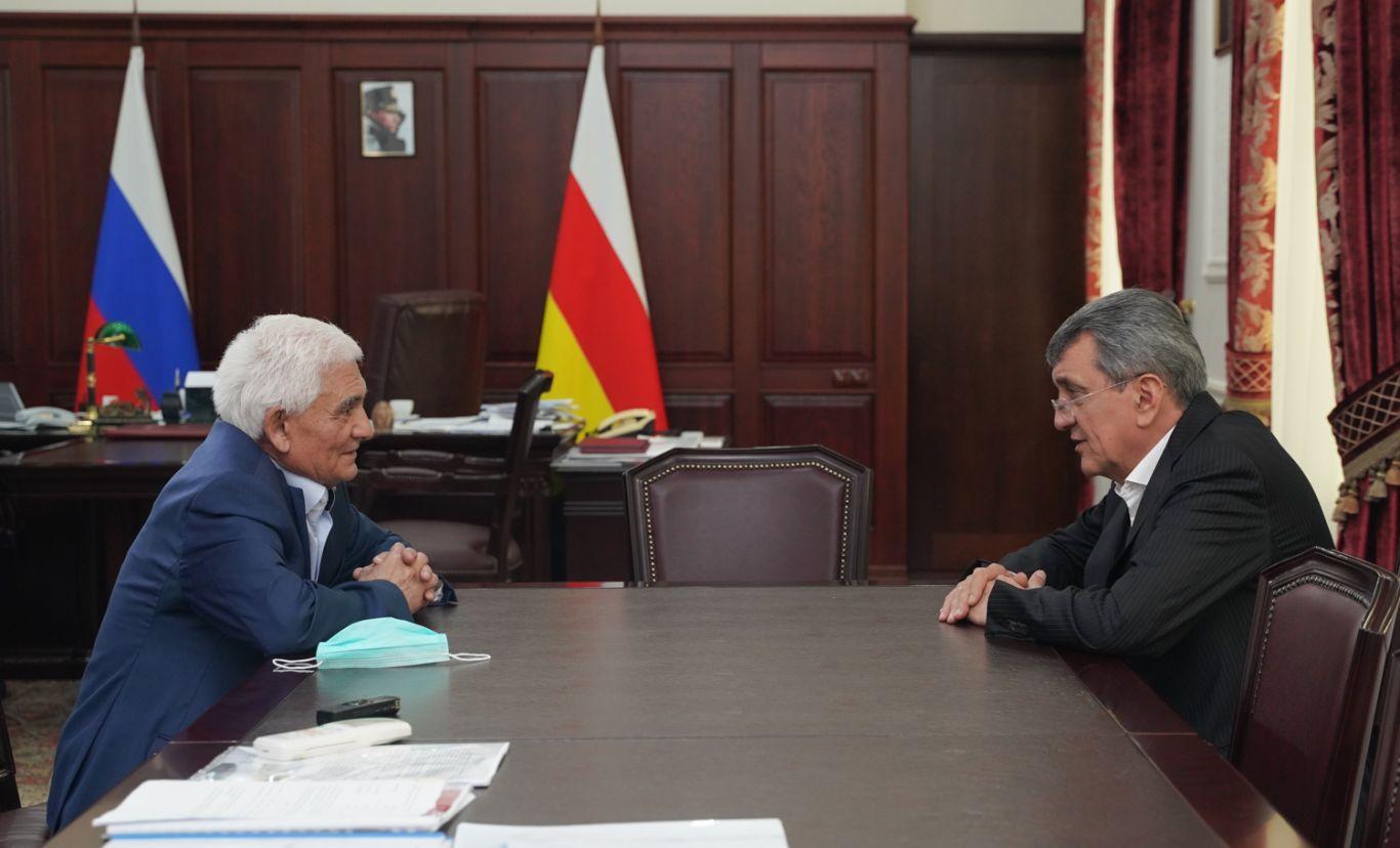 Сергей Меняйло и Руслан Комаев обсудили будущее Владикавказской Школы космонавтики