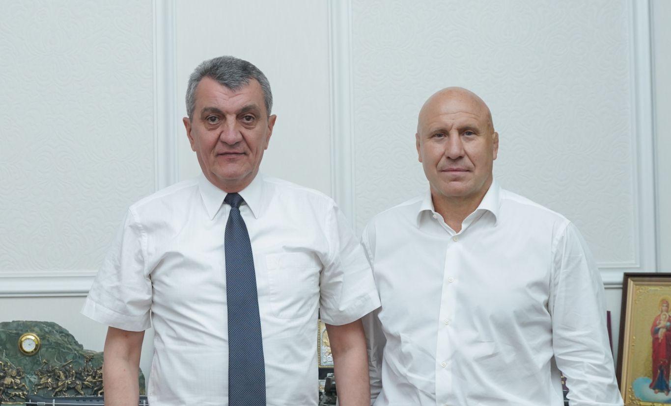 Сергей Меняйло и Михаил Мамишвили обсудили вопросы развития спортивного потенциала республики
