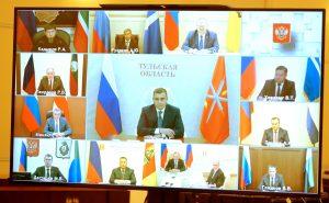 Вам и вашим командам нужно постоянно быть в контакте в людьми: Владимир Путин встретился с избранными главами регионов